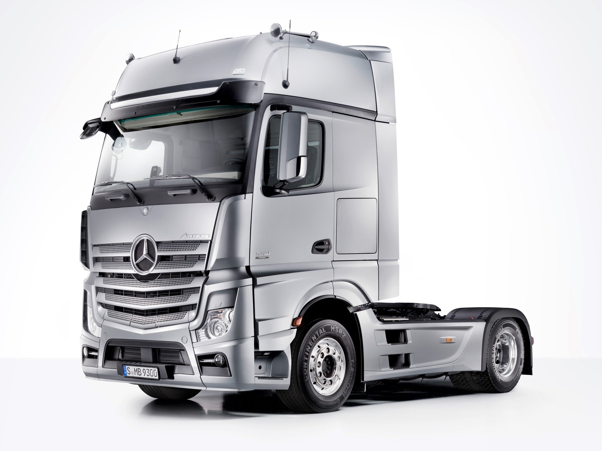 Mercedes Actros MP4 BIGSpace, Giga Space